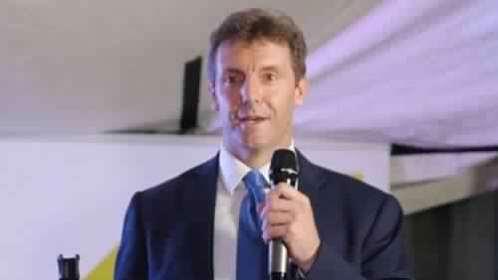 Photo of السفير البريطاني: تسوية سياسية في اليمن الضمان الوحيد لتعليم جيد للأطفال
