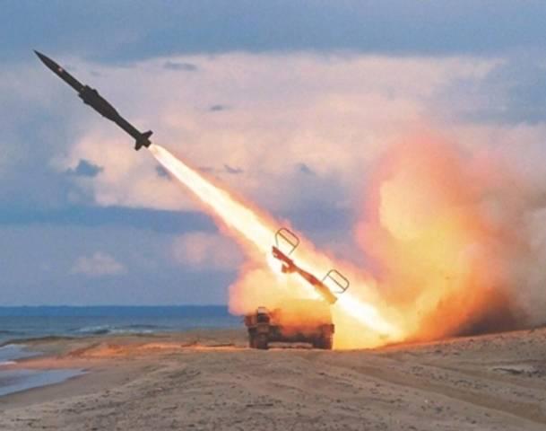Photo of الرياض في مرمى صواريخ الحوثيين .. التحالف يعلن اعتراض صاروخا استهدف قصر اليمامة