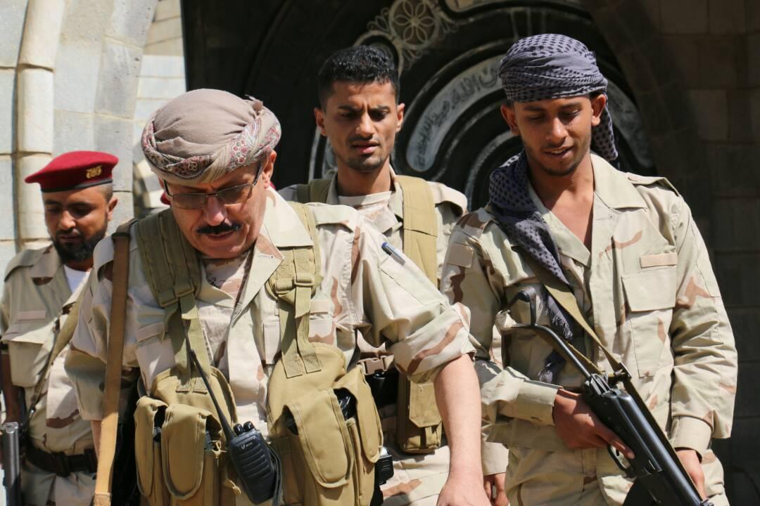 Photo of الجيش اليمني يعلن جولة القصر والحوبان في تعز مناطق عسكرية ويحذر السكان من الإقتراب