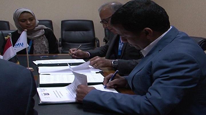 Photo of حكومة الحوثيين توقع اتفاقاً مع مفوضية اللاجئين