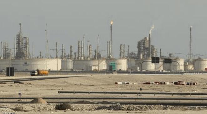 Photo of جماعة الحوثي تدمر أكبر أنابيب النفط في اليمن الرابط بين حقول صافر وميناء رأس عيسى