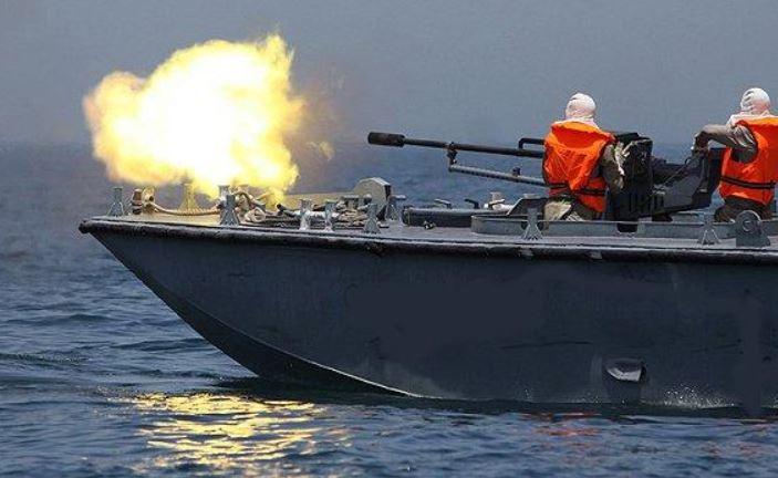 Photo of التحالف يدمر زورقين تابعين للحوثيين في البحر الأحمر