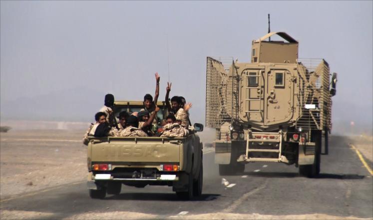 Photo of توجيهات رئاسية يمنية بإعادة تشغيل مطار الحديدة لتخفيف معاناة المواطنين