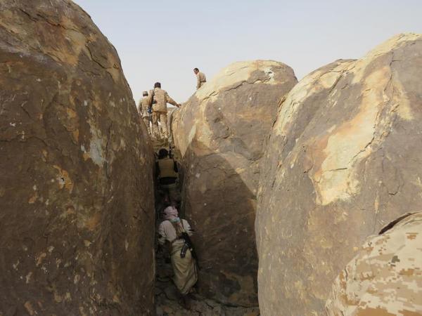 Photo of الجيش اليمني ينتزع جبال استراتيجية من قبضة الحوثيين في لحج