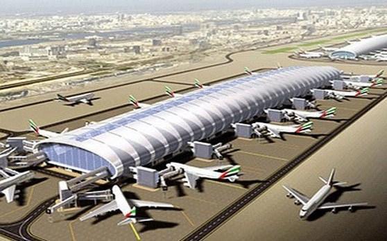 """Photo of الإمارات تعترف بوقوع حادثة في مطار """"أبو ظبي"""" دون الإشارة إلى هجوم الحوثيين"""