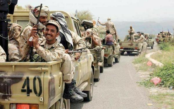 Photo of الجيش اليمني يدفع بتعزيزات عسكرية كبيرة استعداداً لاقتحام مدينة الحديدة
