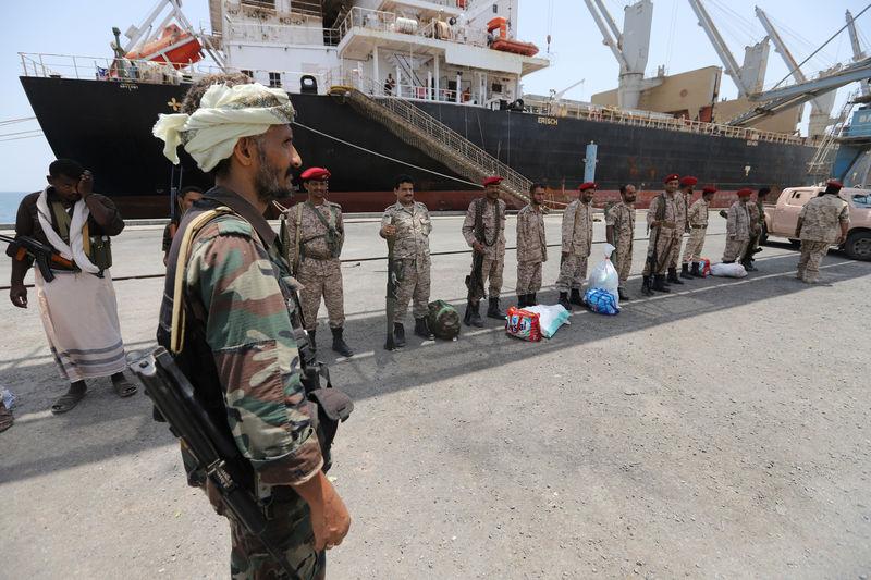 Photo of انعقاد محادثات جديدة بين الأطراف اليمنية مع انسحاب الحوثيين من الحديدة