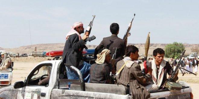 Photo of الحوثيون يدفعون يتعزيزات عسكرية كبيرة إلى مدينة الحديدة