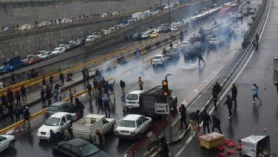 Photo of قتلى ومصابين وإغلاق للمنافذ جراء احتجاجات واسعة في إيران على أسعار الوقود