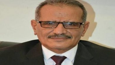 Photo of الحكومة اليمنية توجه باستكمال اجراءات صرف مرتبات المعلمين النازحين