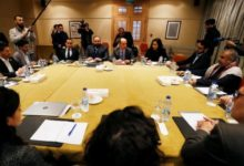 Photo of الوفد الحكومي: مكتب المبعوث الأممي يدير ملف الأسرى بطريقة سيئة