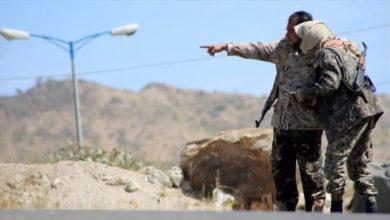 Photo of ضباط متمردون يقطعون الطرقات ويثيرون الفوضى في محافظة سقطرى