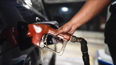 Photo of الحوثيون يلوحون برفع أسعار المشتقات النفطية