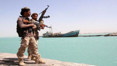 Photo of الجيش اليمني يعلن اسر 8 جنود إريتريين أثناء دخولهم مياهه الإقليمية