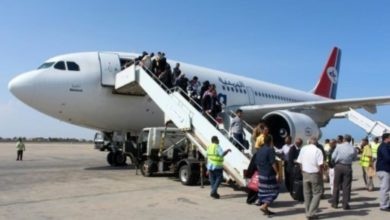 Photo of الحكومة اليمنية تعلن إعادة 6700 عالقاً في الخارج بسبب كورونا خلال شهر