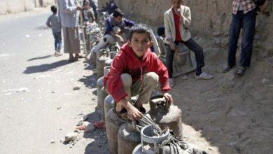Photo of مواطنون يشكون من استمرار انعدام الغاز المنزلي في محافظة إب
