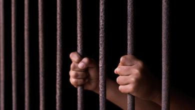 Photo of منظمة حقوقية تدين حكم الحوثيين على طفل بالسجن عشر سنوات