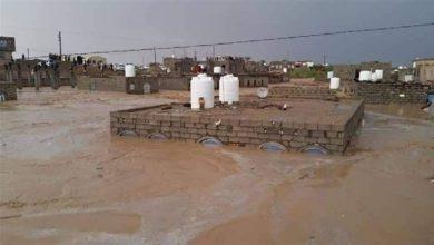 Photo of السلطات المحلية بمأرب تعزز حساب كل مديرية بـ 100 مليون لمواجهة كارثة السيول