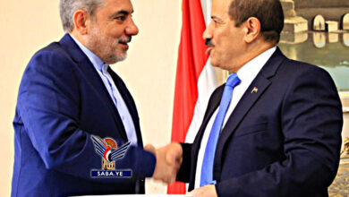 "Photo of بالصورة.. خارجية الحوثيين تتسلم أوراق اعتماد السفير الإيراني ""حسن إيرلو"""