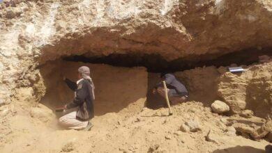 Photo of العثور على مقتنيات فخارية وحجرية بمقبرة أثرية في حضرموت