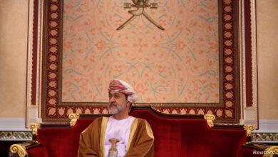 "Photo of سلطنة عمان.. تعديلات قانونية تمنح ابن السلطان الأكبر منصب ""ولي العهد"""