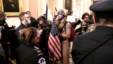 """Photo of مدعون أميركيون: مثيرو الشغب في واشنطن سعوا إلى """"القبض على مسؤولين واغتيالهم"""" في الكابيتول"""