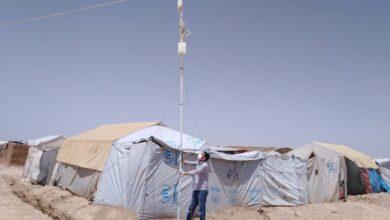 Photo of داخل أحد مخيمات النزوح في سوريا.. تعليم عن بعد بلا إنترنت