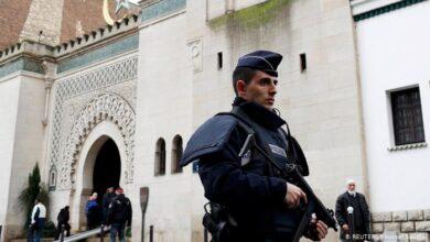 "Photo of فرنسا تغلق 17 مسجدا بدعوى صلتها بـ""أنشطة انفصالية"""