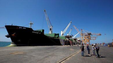 Photo of الحوثي: دخول سفينة مساعدات نفطية إلى ميناء الحديدة
